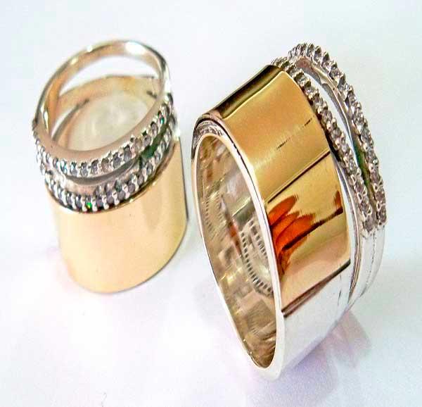 Joyas  en plata y cinta de  oro